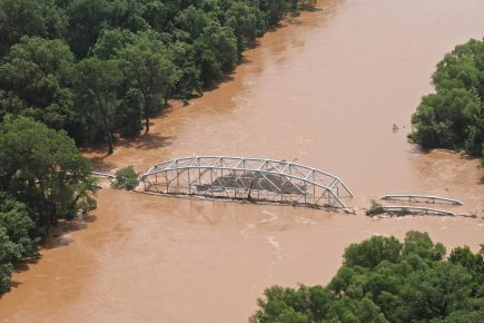 Washita_River_June_2015_flood